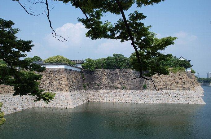 お城とIKEA_c0154941_0131029.jpg