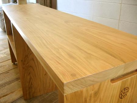 山桜のベッドサイドテーブルをお届けしました_f0171785_1472247.jpg