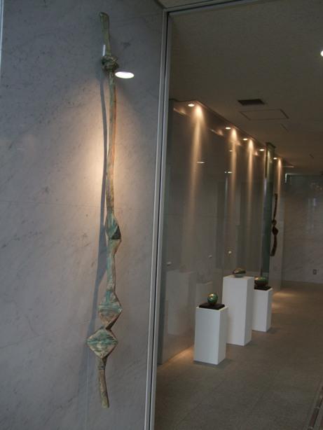 ※)STVエントランス・ホール 「ダム・ダン・ライ彫刻展」 終了・4月28日(月)~5月18日(日) _f0126829_17571760.jpg