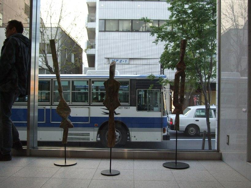 ※)STVエントランス・ホール 「ダム・ダン・ライ彫刻展」 終了・4月28日(月)~5月18日(日) _f0126829_17582522.jpg