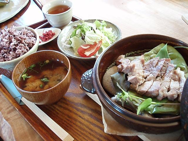 縄文ランチで、岩清水豚を食べる_c0010936_15533822.jpg