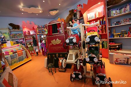 フランスのおもちゃ屋さん_c0024345_7302888.jpg