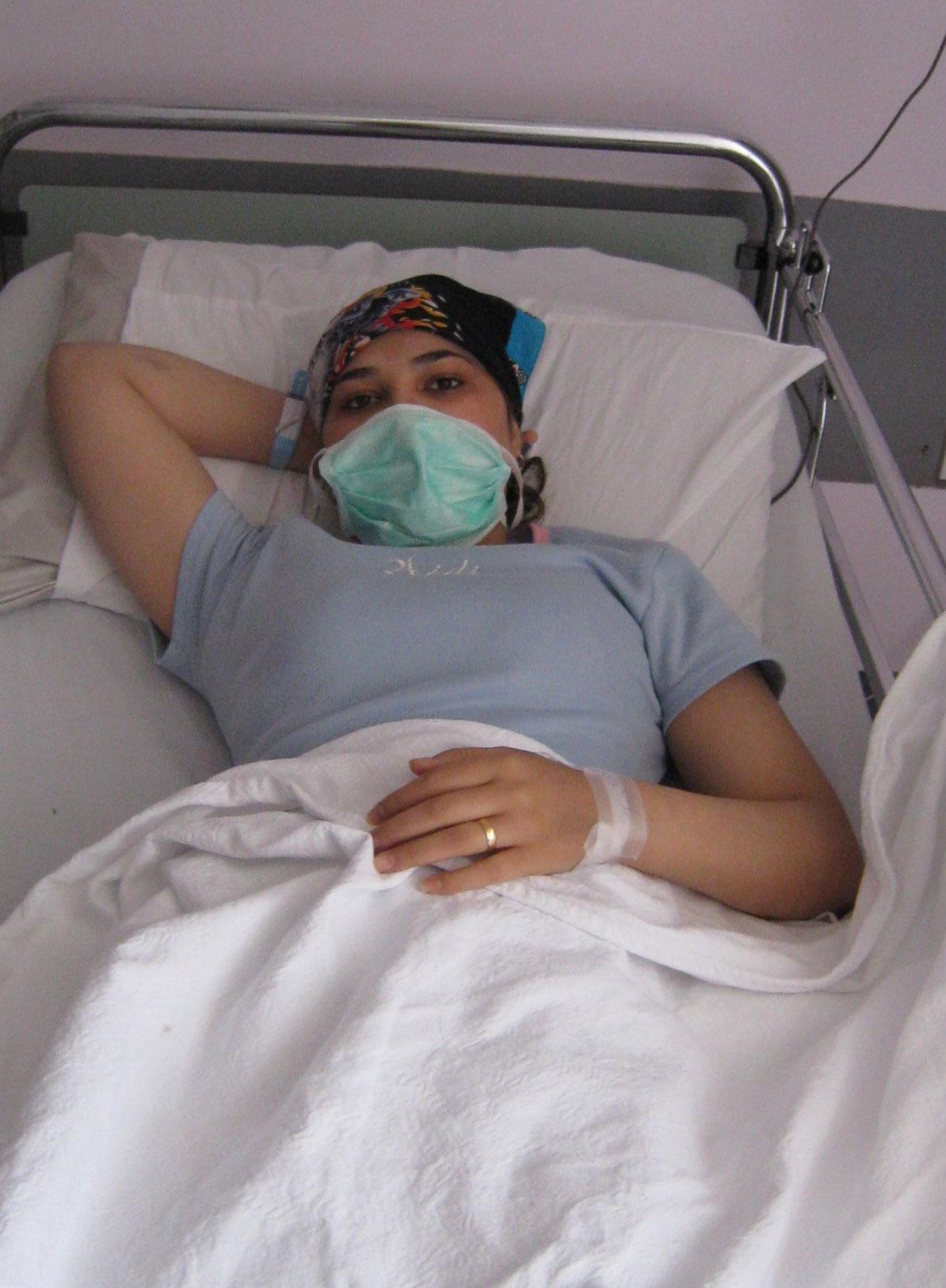 アリーとラーラ・・・病気と闘うイラク人夫婦_f0155297_2151136.jpg