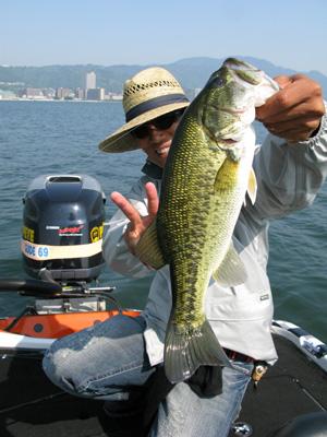 今日は琵琶湖でガイドです。_a0097491_2242146.jpg
