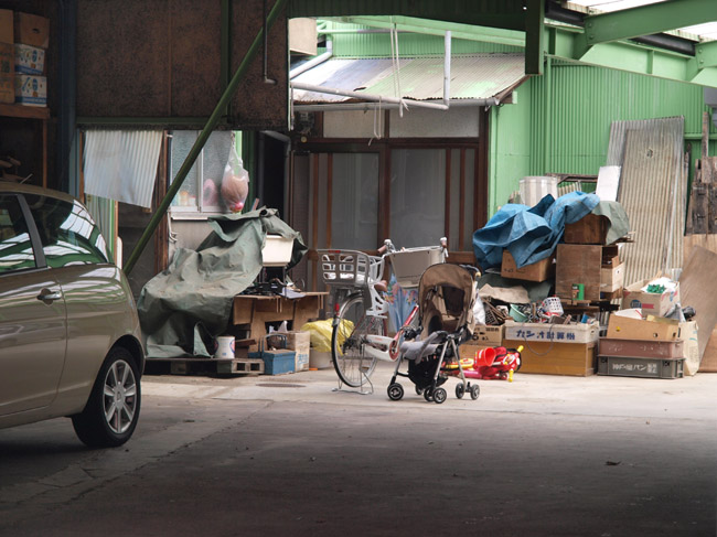 ガレージのある家。_d0068664_12542725.jpg