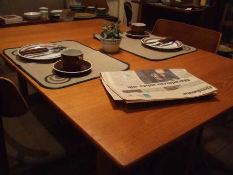 dining table (denmark)_c0139773_22352079.jpg