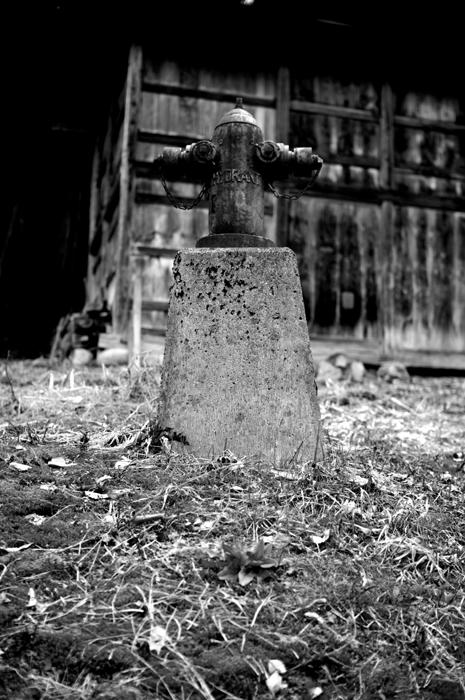 岐阜県の白川郷より。町のあちらこちらにある消防用の給水口があるのですが、古い感じだったので記念にパシャリとシャッターを押しました。