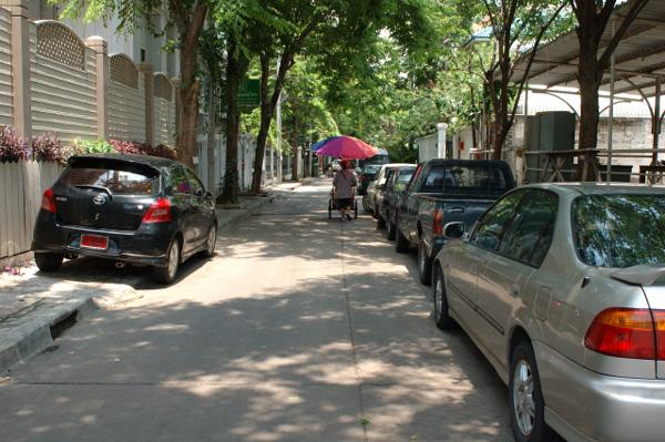 バンコクの路地散歩(2)_b0131470_1201291.jpg
