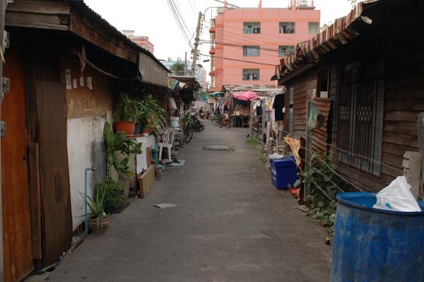 バンコクの路地散歩(3)_b0131470_15462553.jpg