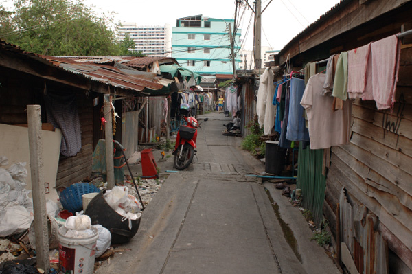バンコクの路地散歩(3)_b0131470_15464114.jpg