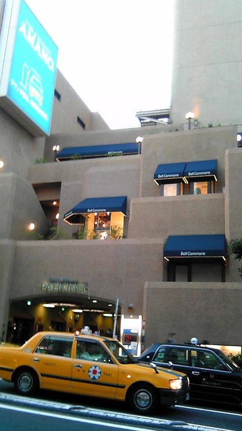 キラー通りから2階横から見れば_e0013089_4123282.jpg