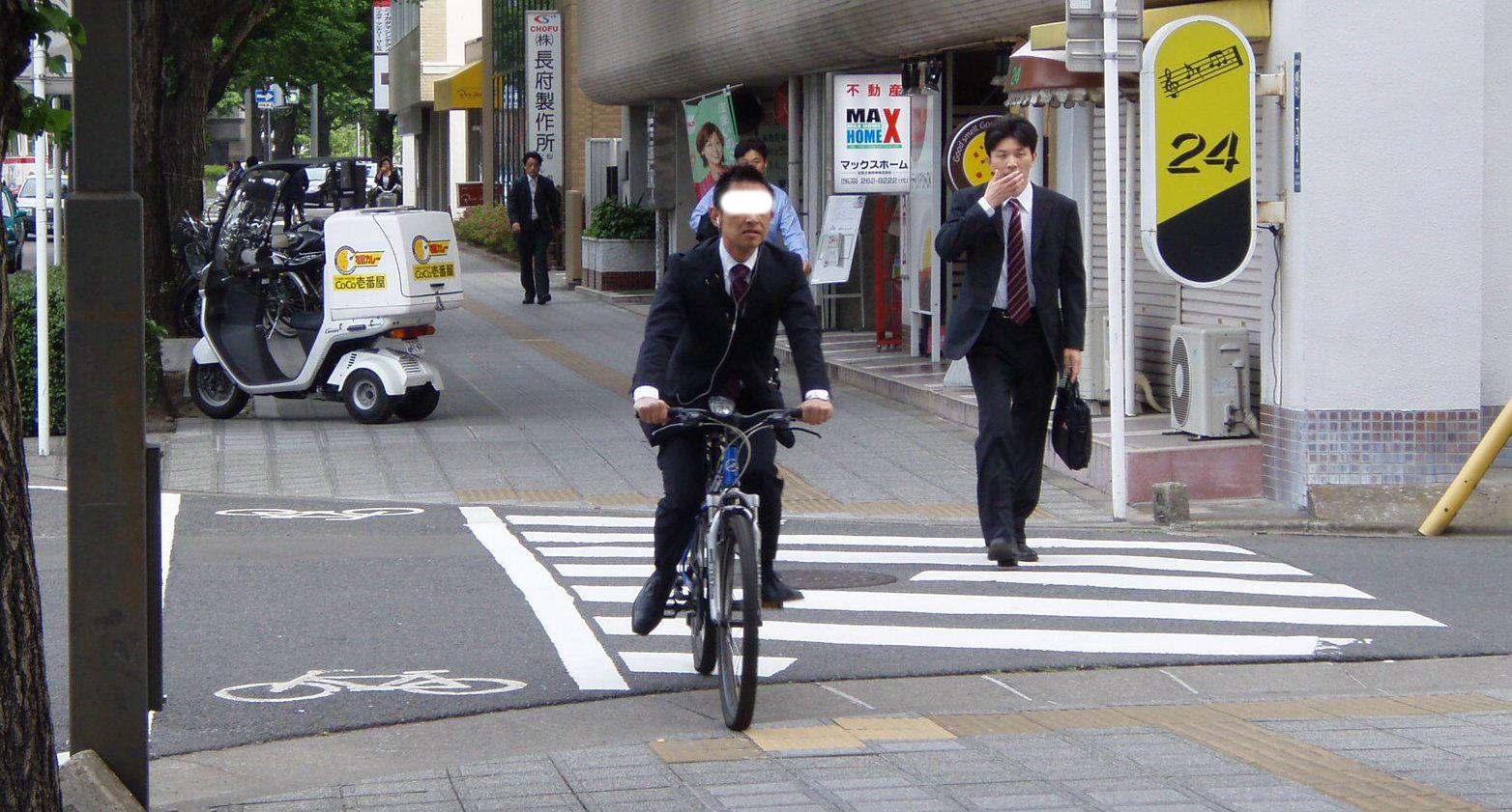スポーツ自転車が増えてきた・・・けど、_b0074601_21215996.jpg