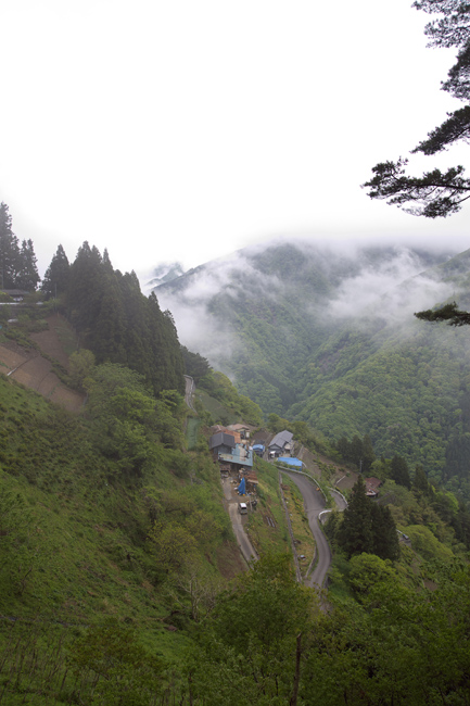 雲の上の村_c0054876_18212419.jpg