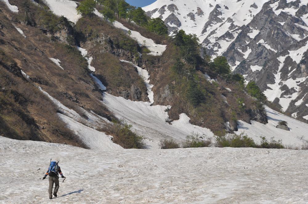 雪渓を行く_c0065410_23472216.jpg
