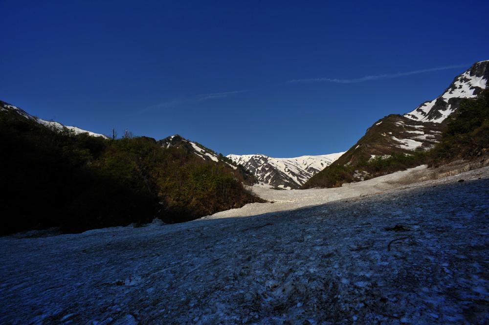 雪渓を行く_c0065410_23571958.jpg