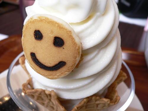 ららぽーと横浜 パンケーキデイズのソフトクリーム_e0009722_16112771.jpg