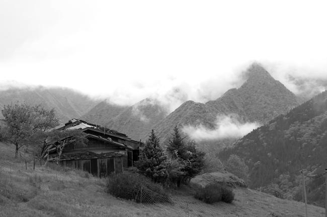 雲の上の村 2_c0054876_18342076.jpg