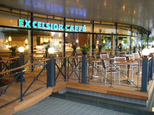 5月30日(金) 待望のオープンカフェが開業_e0093518_60595.jpg