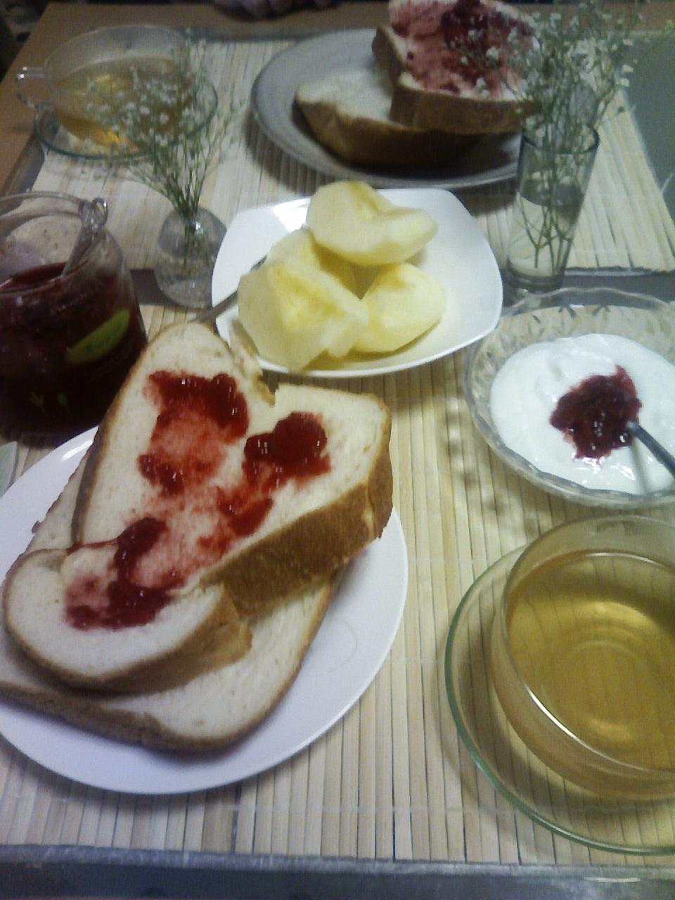 休日はのんびり夫と朝食を♪_b0137453_1141559.jpg