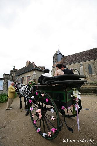 馬車で結婚式のお迎え?!_c0024345_1935548.jpg