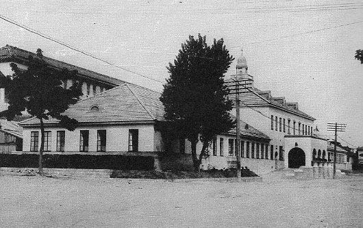 函館市立病院外来診療棟建設(建築家・関根要太郎作品研究、3)_f0142606_2334875.jpg