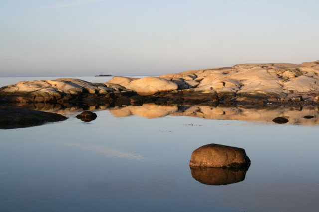 スウェーデンのテキスタイルをインテリアに、北欧時間を楽しむ_c0055551_18144614.jpg