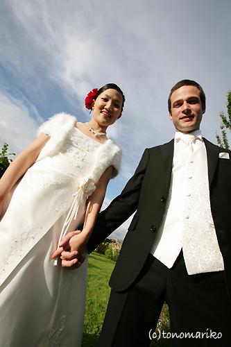 テントを張って徹夜で結婚式?!_c0024345_9154464.jpg