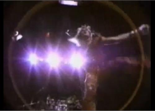 Van HalenのPVで学ぶ北派中国武術基礎腿法_b0060239_23295284.jpg