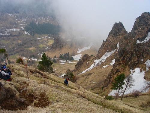 <2008年5月17日> 世界有数の活火山「浅間山」に登る_c0119160_2241213.jpg