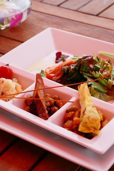 琵琶湖の湖岸にあるカフェ 「R cafe」_f0102363_2232594.jpg