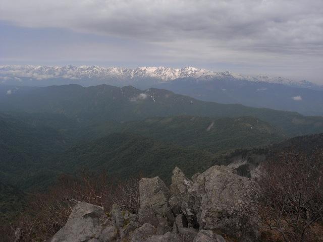 6月7日、高妻山に登る_f0138096_16345358.jpg
