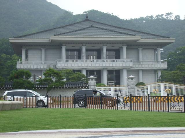 韓国旅行ー1(牛肉輸入反対デモ)_b0137932_2058478.jpg