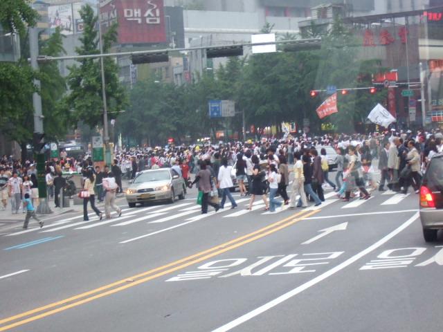 韓国旅行ー1(牛肉輸入反対デモ)_b0137932_210255.jpg