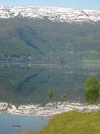 フィヨルドの美しい風景(6/2)_e0022175_21495523.jpg