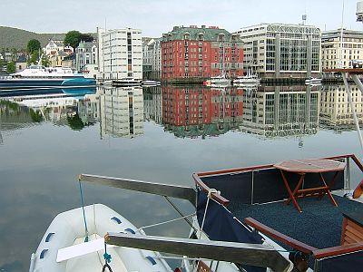 ベルゲン3日目(6/3)港の風景など_e0022175_22294997.jpg