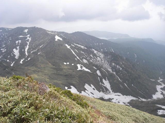6月9日、苗場山に登る_f0138096_1611868.jpg