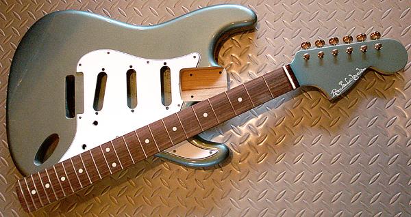西山さんオーダーの「Moderncaster S #013」塗装完了!_e0053731_18525861.jpg