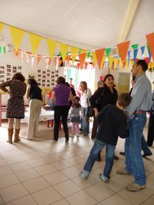イタリア風幼稚園のバザー_f0106597_18383625.jpg