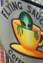 アトランティック・アベニューの地元カフェ Flying Saucer Cafe_b0007805_19532267.jpg