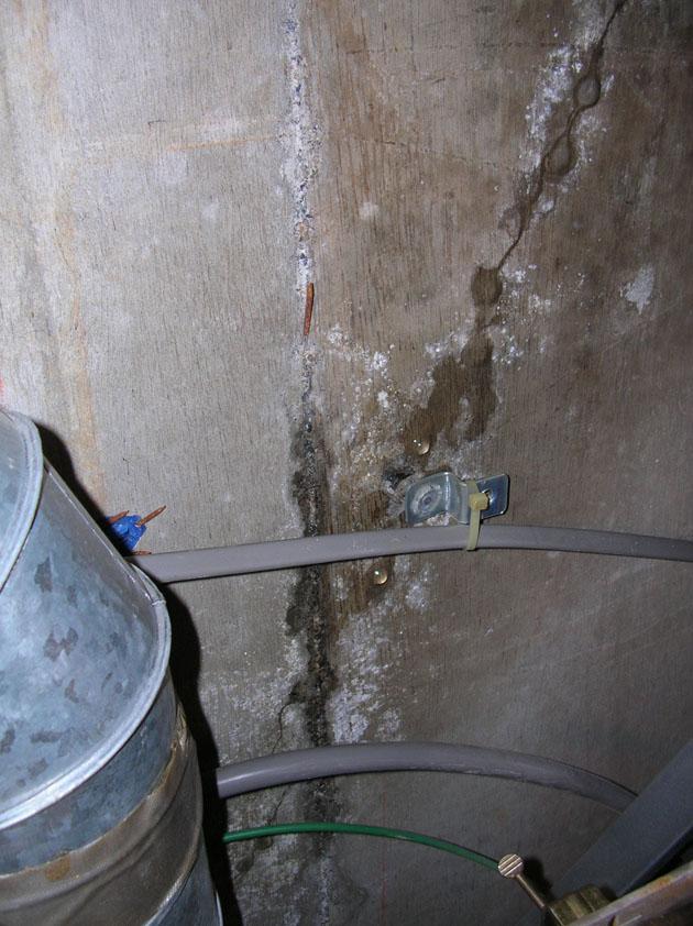 ゼネコンの手抜き工事_マンションの漏水が拡大 _e0127948_18154751.jpg