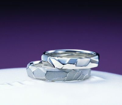 生命力の強い指輪?!_f0118568_2253399.jpg