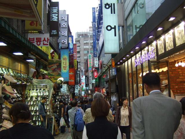韓国旅行ー3(明洞.清渓川公園)_b0137932_1857459.jpg