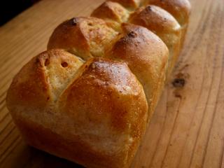 ローストオニオンとライ麦のミニ食パン(2回目)_c0110869_22585298.jpg