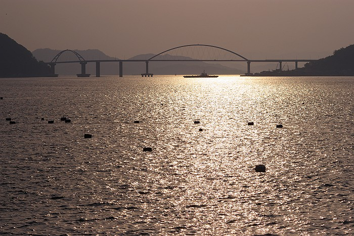 夕暮れの内海大橋_c0152379_6212981.jpg