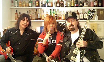 元ホワイトスネイクのギタリストと対談&セッション☆_e0146185_13554682.jpg