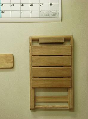 Picnic Folding Chair 壁掛け_c0019551_21221327.jpg