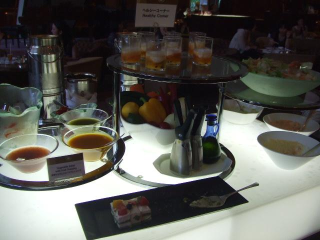 ヒルトン名古屋 ザ・ギャラリー チーズケーキ&チェリーデザートフェア_f0076001_1111694.jpg