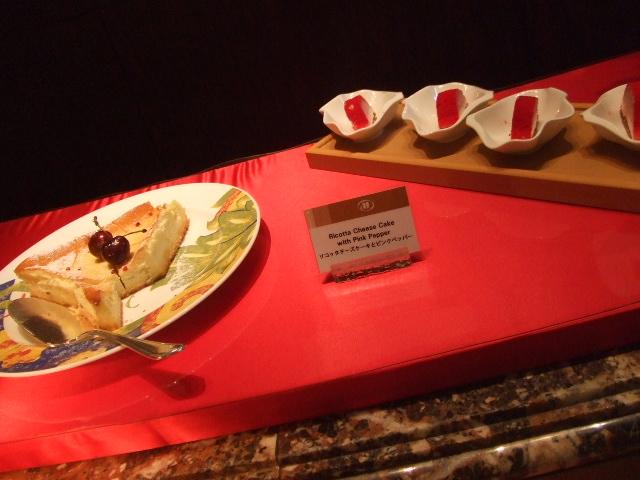 ヒルトン名古屋 ザ・ギャラリー チーズケーキ&チェリーデザートフェア_f0076001_1123146.jpg
