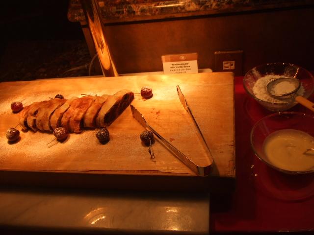 ヒルトン名古屋 ザ・ギャラリー チーズケーキ&チェリーデザートフェア_f0076001_112465.jpg