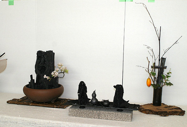 炭の芸術展示品_e0122208_823737.jpg